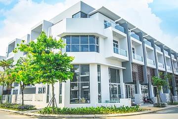 Phố thương mại 4 tầng trong khu đô thị Phố Đông Village